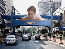 релама на дороге